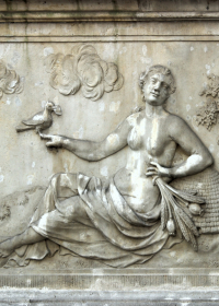 Fortuna, Sandsteinrelief in der Frauengasse